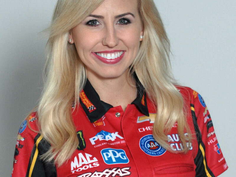 Courtney Force teams with Advance Auto